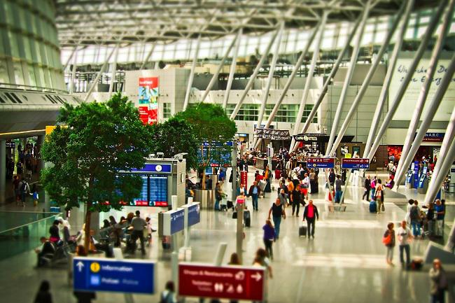 airport-1515448_960_720.jpg