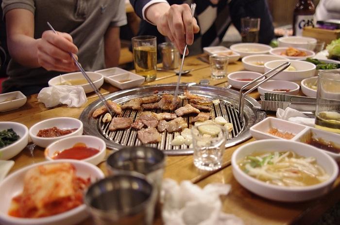 dining-together-1842973_960_720.jpg