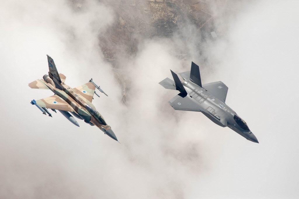 F-16 F-35 - 복사본.jpg
