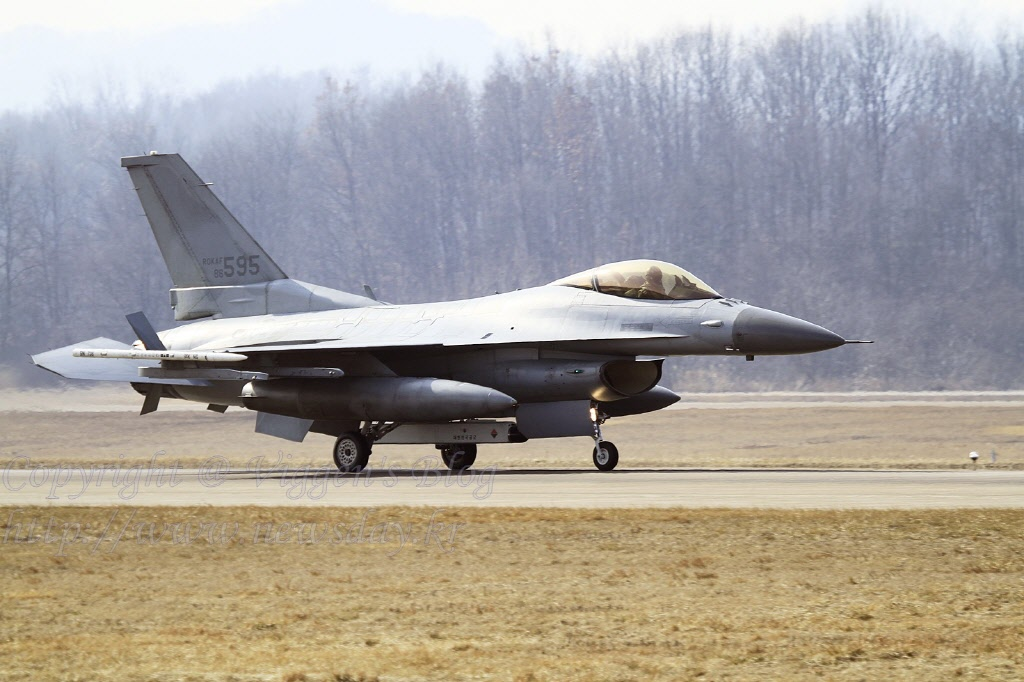 F-16 PBU - 복사본.jpg