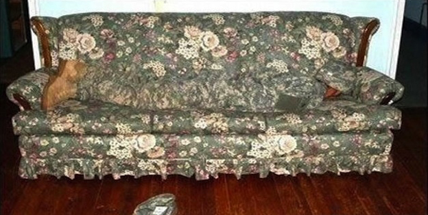 camoflage-couch.jpg